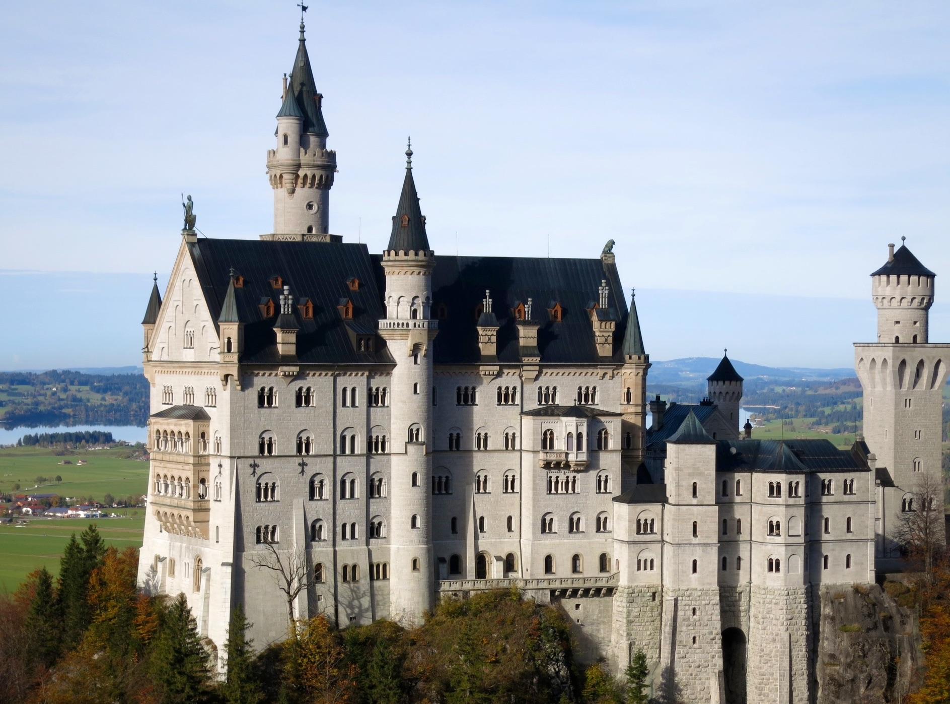 Ludwig's Fairytale Castle (Munich)